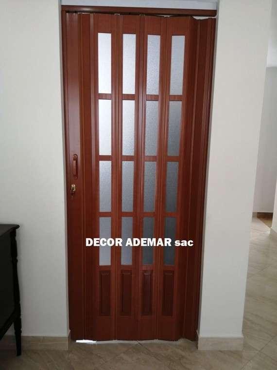puerta color cedro
