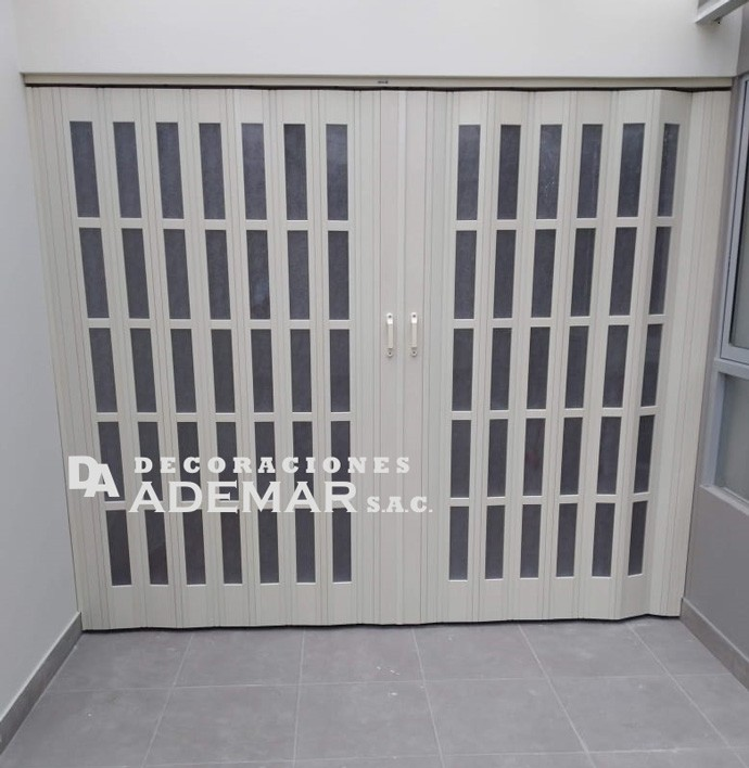 puertas plegables modelo ventanitas